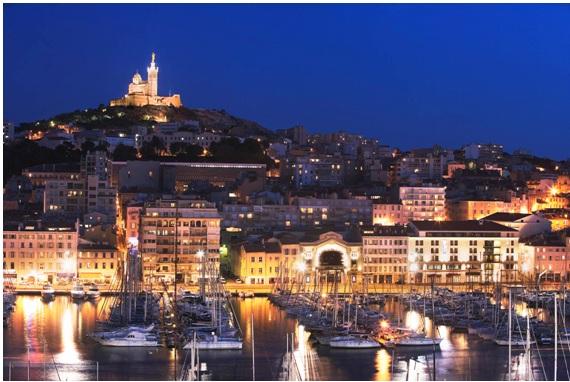 Le Vieux Port et la Basilique Notre-Dame-de-la-Garde (Marseille)